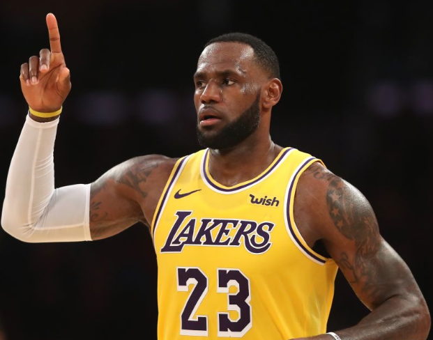 LeBron James Carries Lakers Past Celtics in 114-112 Win Sunday